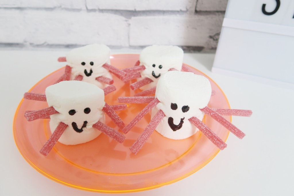 halloweenspidermarshmallows2