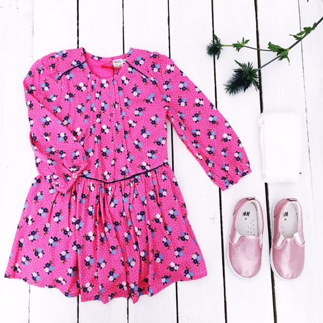 boots-mini-club-floral-pink-dress-flat-lay