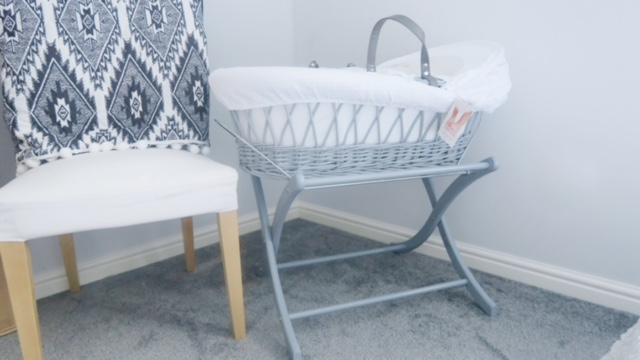 izziwotnot moses basket review 5