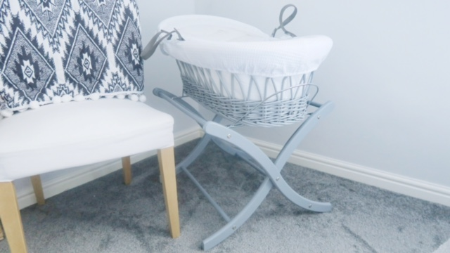 izziwotnot moses basket review 3