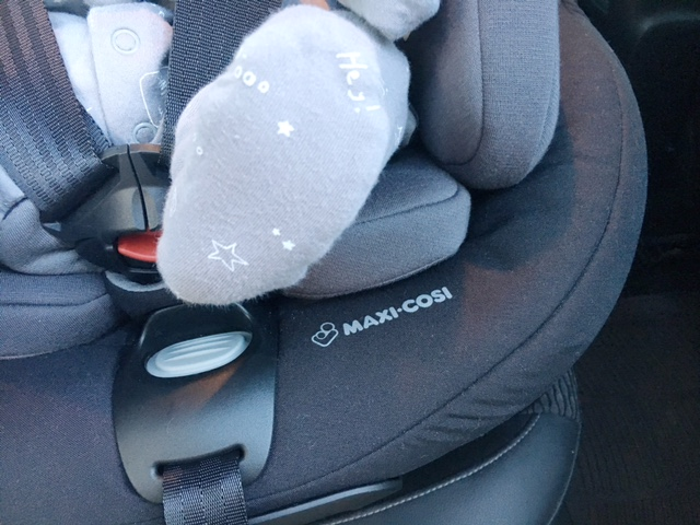 maxi cosi axiss fix plus review-14
